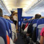 旅行中の機内の過ごし方