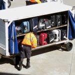 海外旅行には大きなスーツケースで行くのが当たり前と思うのは固定概念。機内持ち込み可能な小さなバッグだけでも十分旅行できます。