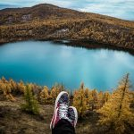 旅行にも最適な歩きやすくてコンパクトに収納可能な靴を探してます。