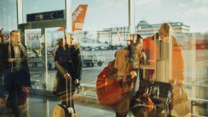 意外な盲点?モバイルバッテリーの飛行機搭乗時の制限と使用ルール